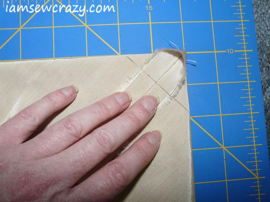 making tote bag corners