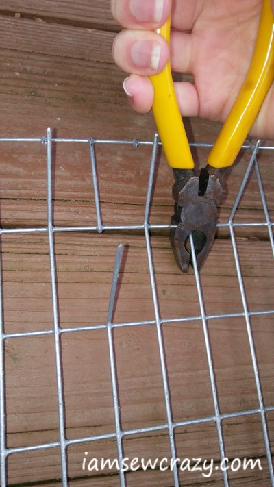 cutting wire to make thread rack
