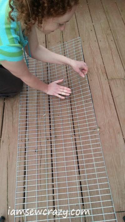 straightening wire to make thread rack
