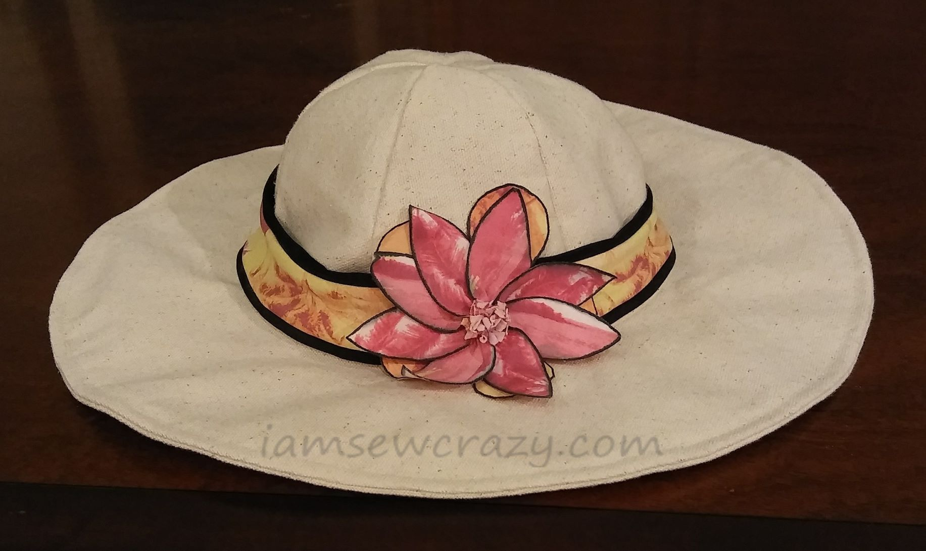 canvas sunhat with flower