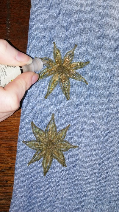 using glitter fabric paint