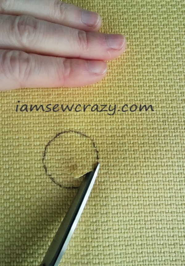 cutting circles out of fabric