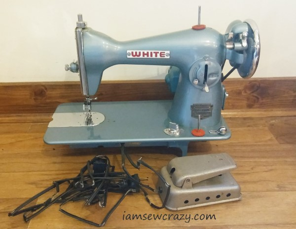 vintage white brand 658-10491 sewing machine