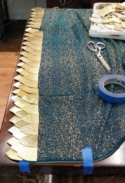 taping dress to tabletop