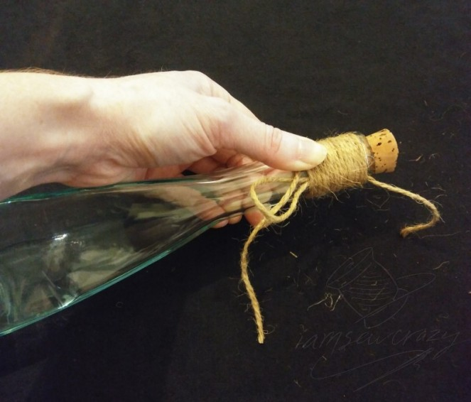 wrapping bottle with jute twine