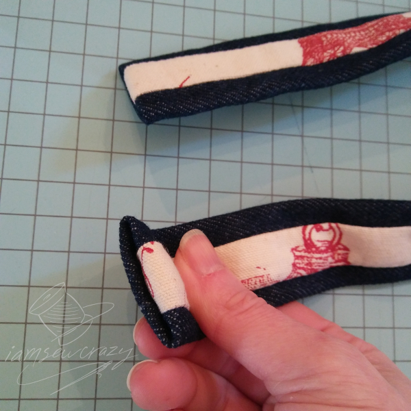 finishing ends of tote bag straps