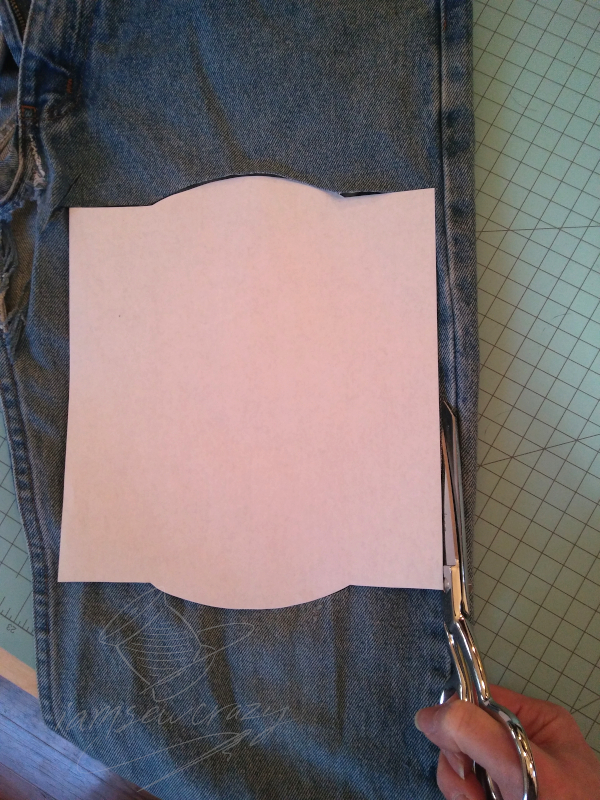 cutting out base layer of mop pad